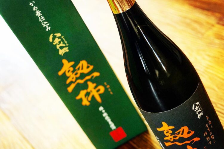 八千代伝 熟柿の入荷。虫達とお酒が秋の訪れを知らせてくれる。